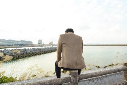 独身男性、一人、孤独
