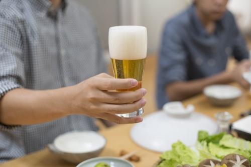ビールで乾杯・飲み会